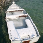 Une barque bien rempli de glace